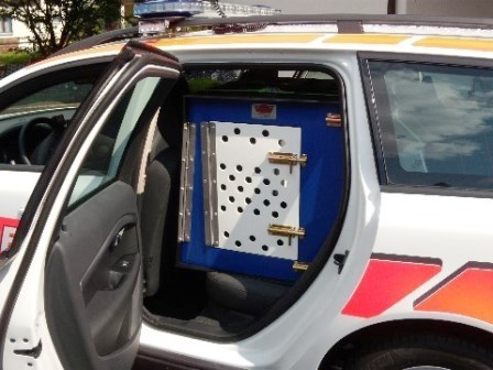 huber fahrzeugausbau ag polizei. Black Bedroom Furniture Sets. Home Design Ideas